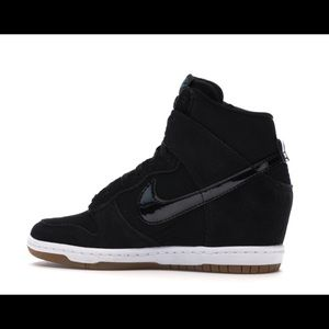Wmns Nike Dunk Sky Hi Essential 'Black Gum'